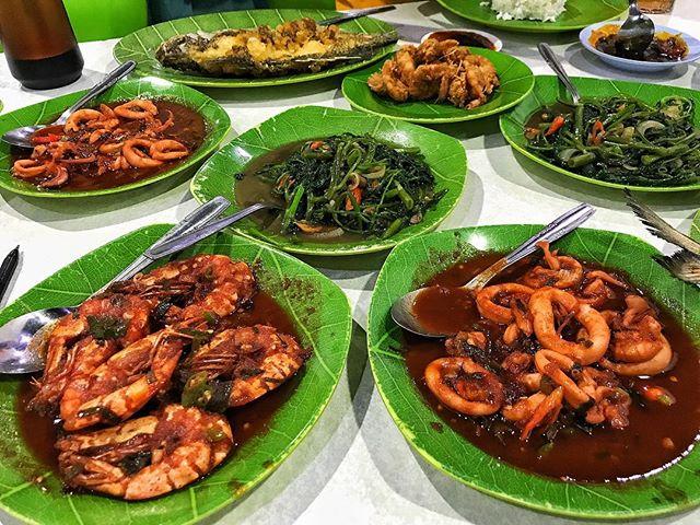 restaurant jakarta seafood ayu manomarion